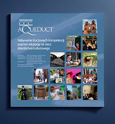 """zdjęcie podręcznika """"Aqueduct"""" z mozaiką zdjęć"""